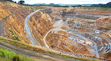 Komis (Closed) gold mine
